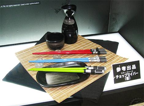 star-wars-lightsaber-chopsticks